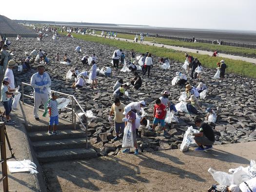 東与賀海岸清掃活動